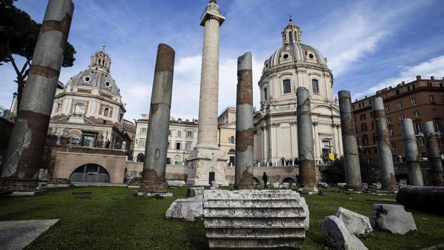 Los foros romanos de Trajano y César abren de día y sin barreras arquitectónicas