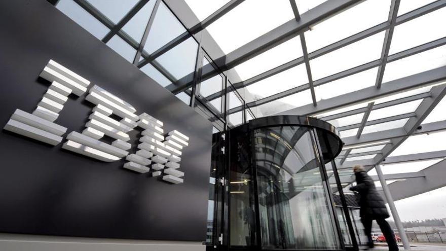 IBM gana 16.483 millones de dólares en 2013, el 0,7 por ciento menos