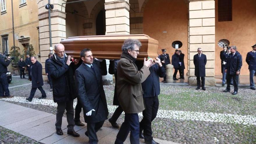 La Scala de Milán rinde homenaje al maestro Claudio Abbado