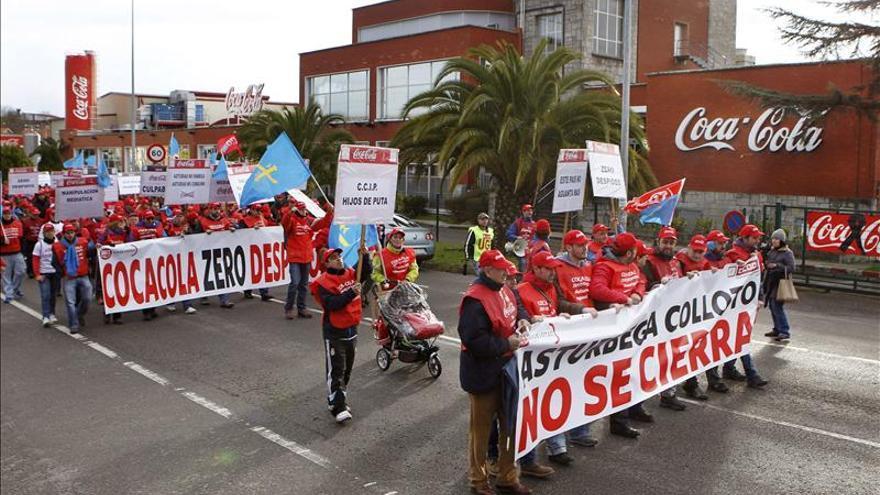 La plantilla de Coca-Cola en Asturias mantiene una huelga casi unánime
