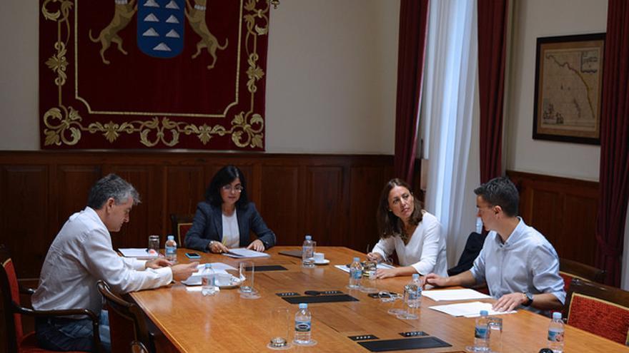 Reunión de la Mesa del Parlamento de Canarias