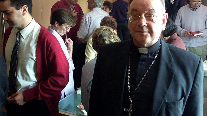 Nuevo cardenal pregunta a Rubalcaba si hay mujer con derecho a matar a hijo