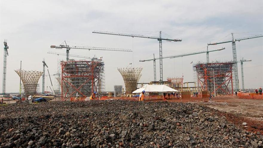 México despeja el camino para la construcción de aeropuerto en base militar