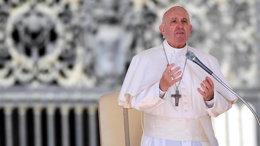 """El Papa denuncia la """"dramática desigualdad"""" y pide modelos justos de reparto"""