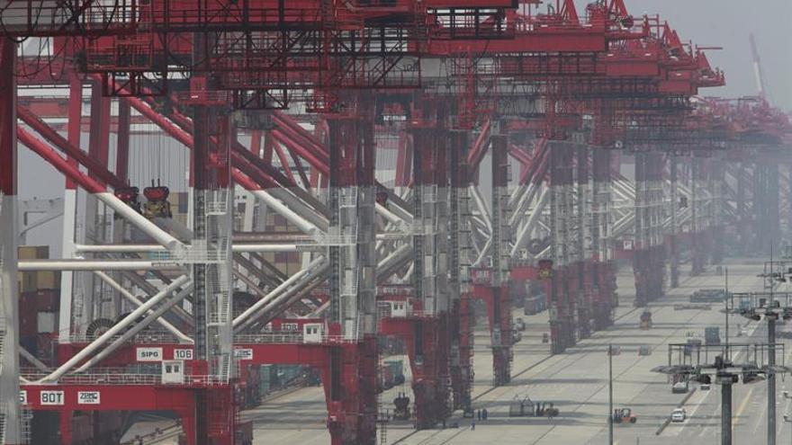 "Li Keqiang advierte de que ""no será fácil"" que China crezca un 6,5 % en 2017"