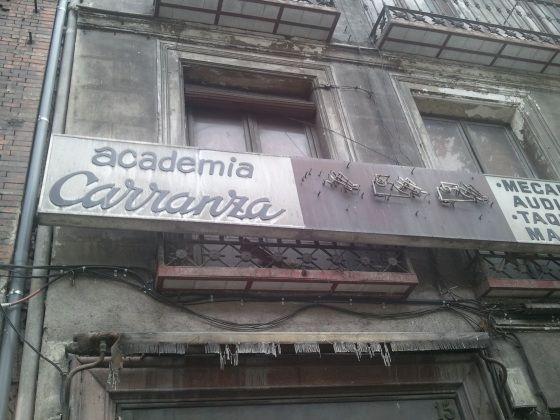 El número 15, mismo sitio donde estuvo la huevería hoy abandonado | SOMOSMALASANA.COM