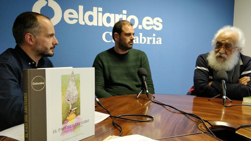 Entrevista de David Gutiérrez a los autores de 'El País del Abeyeiro'. | ANDRÉS HERMOSA