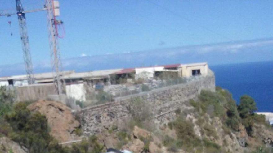 FOTOGALERÍA  Accidente de guagua en Icod de los Vinos
