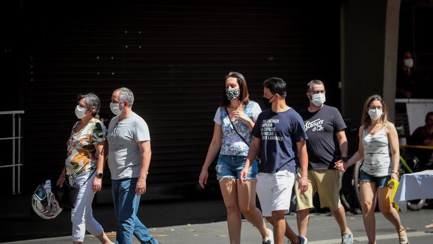 Brasil registra 682 nuevas muertes por COVID-19 y roza las 150.000 en total