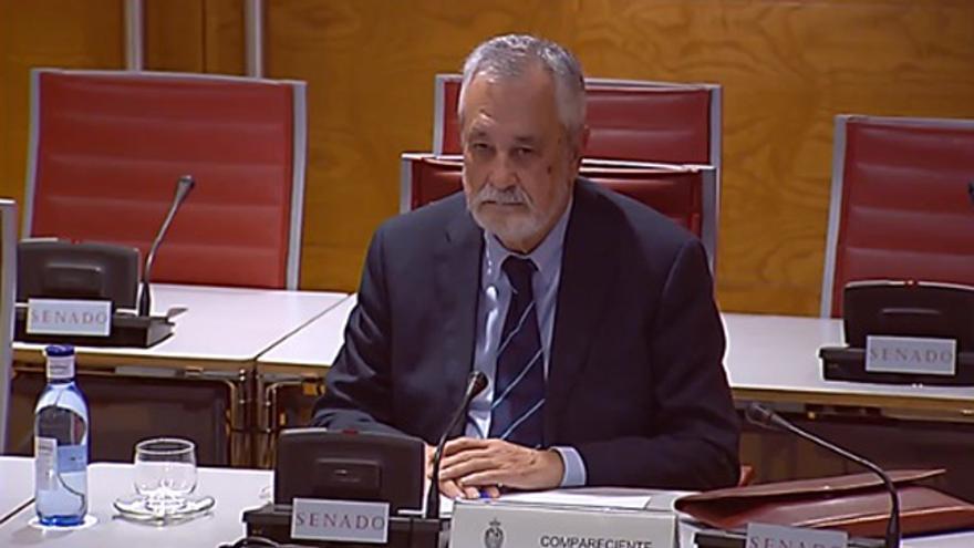 Griñán, como Chaves, guarda silencio en el Senado sobre el caso de los ERE