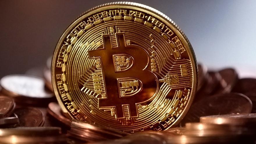 Según algunos analistas, en 2018 el bitcóin podría resurgir y alcanzar un valor de 50.000 dólares.