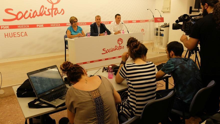 El socialista Antonio Cosculluela renuncia a la Presidencia de las Cortes de Aragón para continuar como alcalde