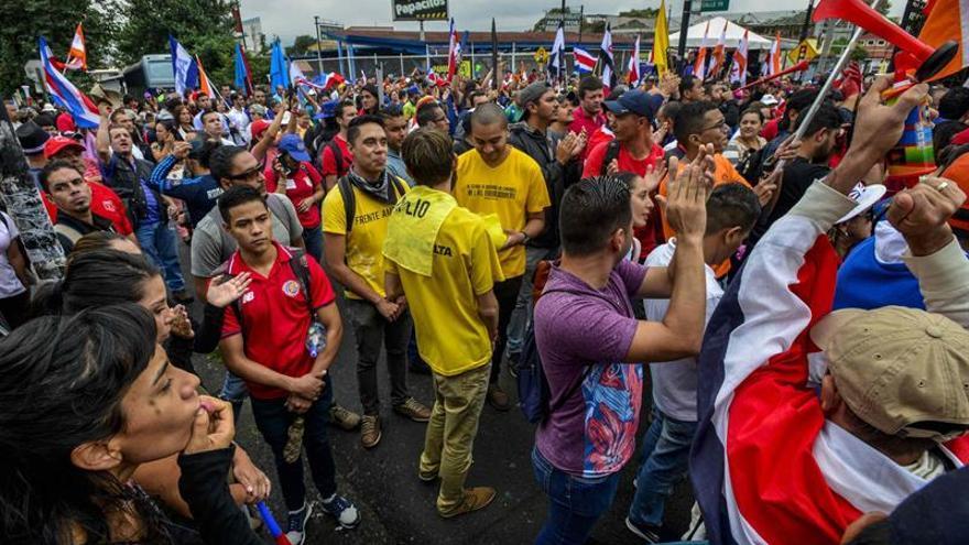 Huelguistas en Costa Rica llevan lucha contra reforma fiscal a Poder Judicial