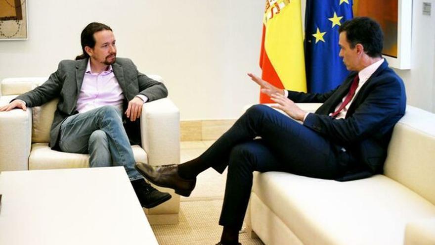 Pedro Sánchez y Pablo Iglesias, en su primera reunión tras el 28A. Dani Gago (PODEMOS)