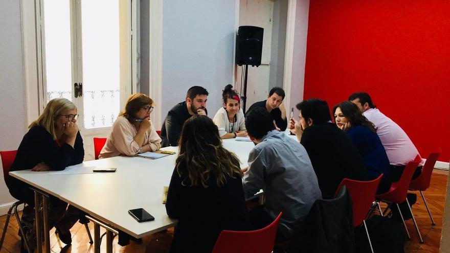 Podemos e IU acuerdan construir un programa común y grupos de trabajo para ir juntos a elecciones en Madrid