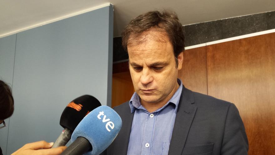 Jaume Asens cree que la defensa de Puigdemont desde Bruselas dificulta el encarcelamiento