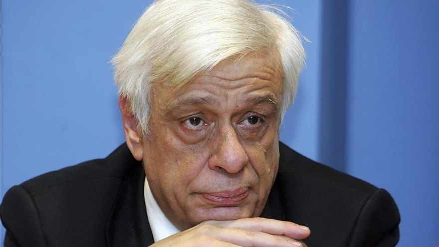 Gobierno griego apuesta por un presidente conciliador con pasado comprometido