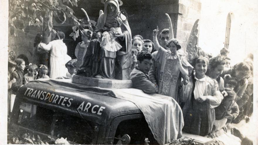 Fiesta del Rosario de 1959 en Revilla de Camargo.