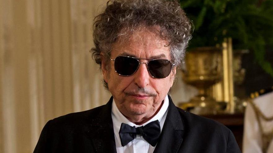 Editor de libros con letras de Dylan destaca la poesía libre de sus canciones