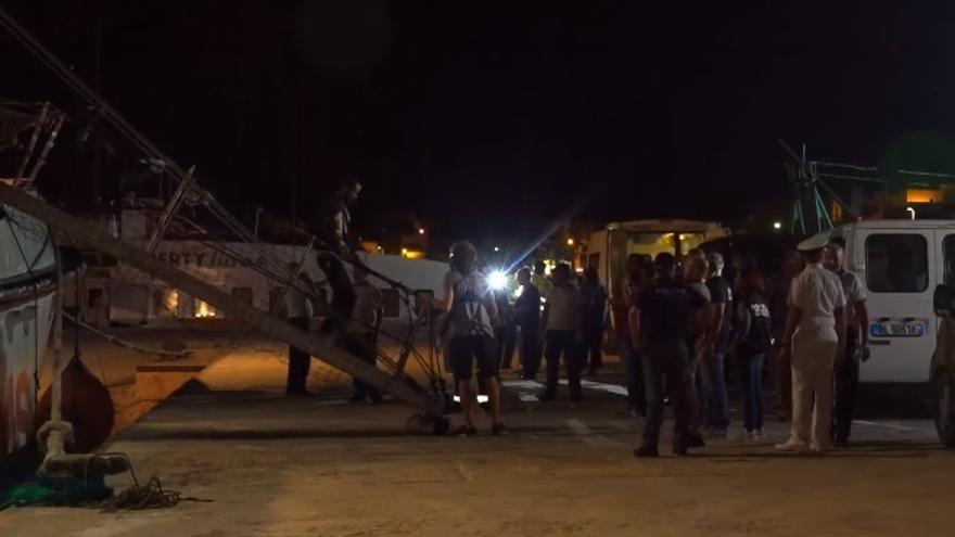 La Fiscalía italiana ordena la incautación del Open Arms y el desembarco inmediato de los rescatados
