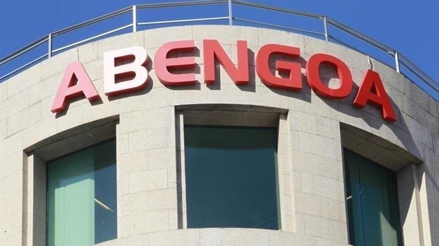 """Sindicatos señalan la """"responsabilidad"""" de la gestión de la excúpula de Abengoa en la """"pérdida de empleo"""" en la empresa"""