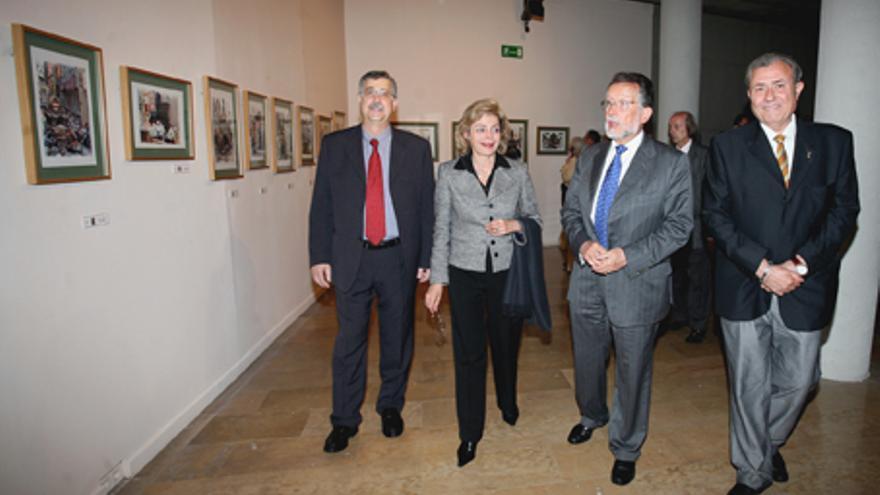 María José Alcón y Alfonso Grau, en una visita a una exposición en Valencia.