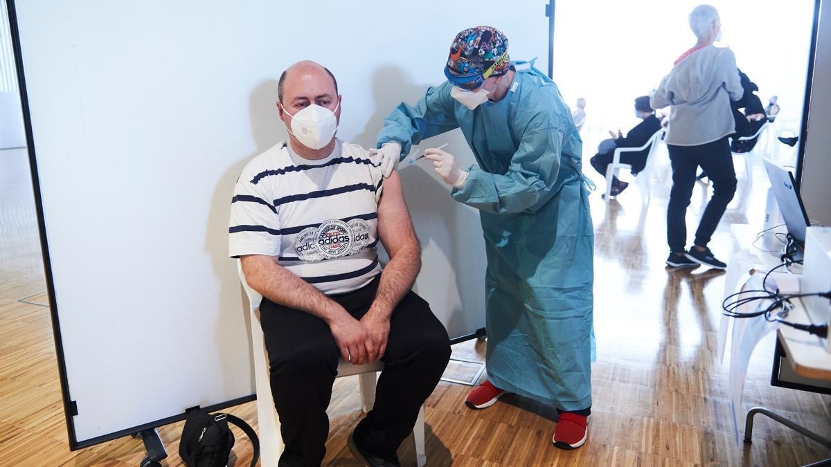 Vacunación en el Palacio de Exposiciones de Santander.