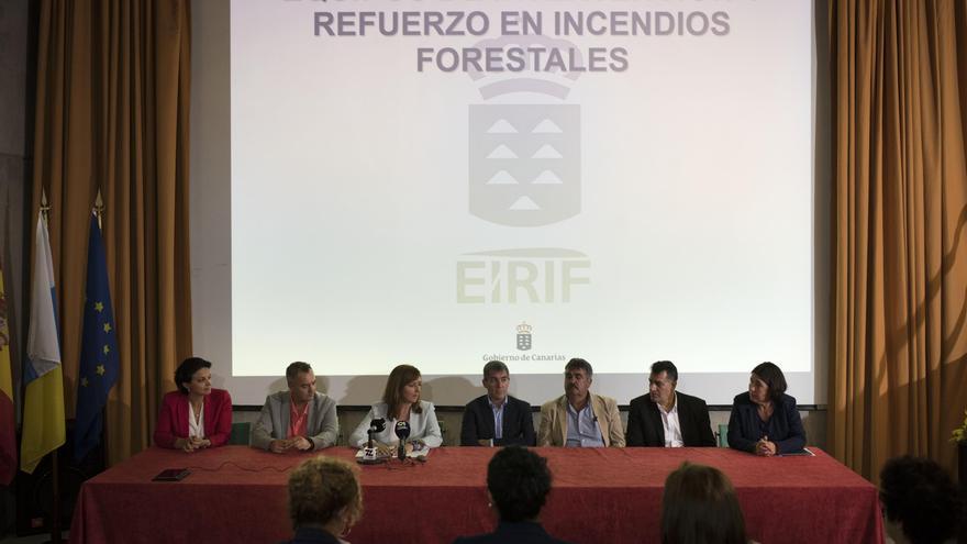 Acto de presentación de los Equipos de Intervención y Refuerzo de los Operativos Insulares en la Extinción de Incendios Forestales (EIRIF) celebrado este jueves en el Centro de Visitantes del Parque Nacional de La Caldera de Taburiente.