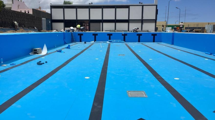 Estado actual de la piscina municipal de Los Llanos.