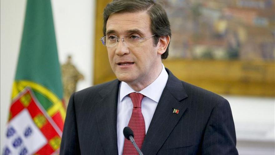 Passos Coelho defiende sus nuevos recortes para que Portugal siga en el euro