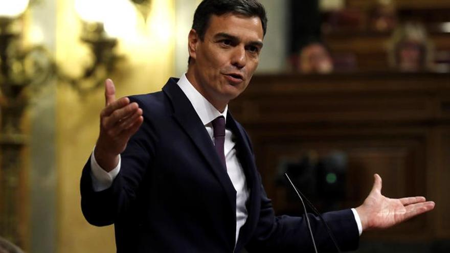Sánchez: Cataluña tiene Estatut que no votó y la crisis se resolverá votando