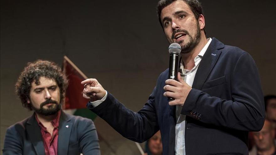"""Garzón defiende """"la verdad"""" de IU frente a la política espectáculo del resto"""