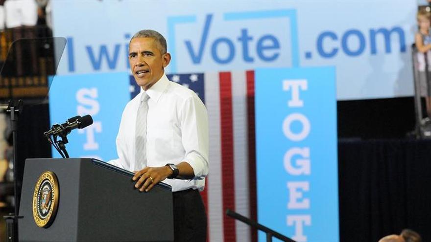 Los Clinton y los Obama cerrarán la campaña con un acto en Filadelfia