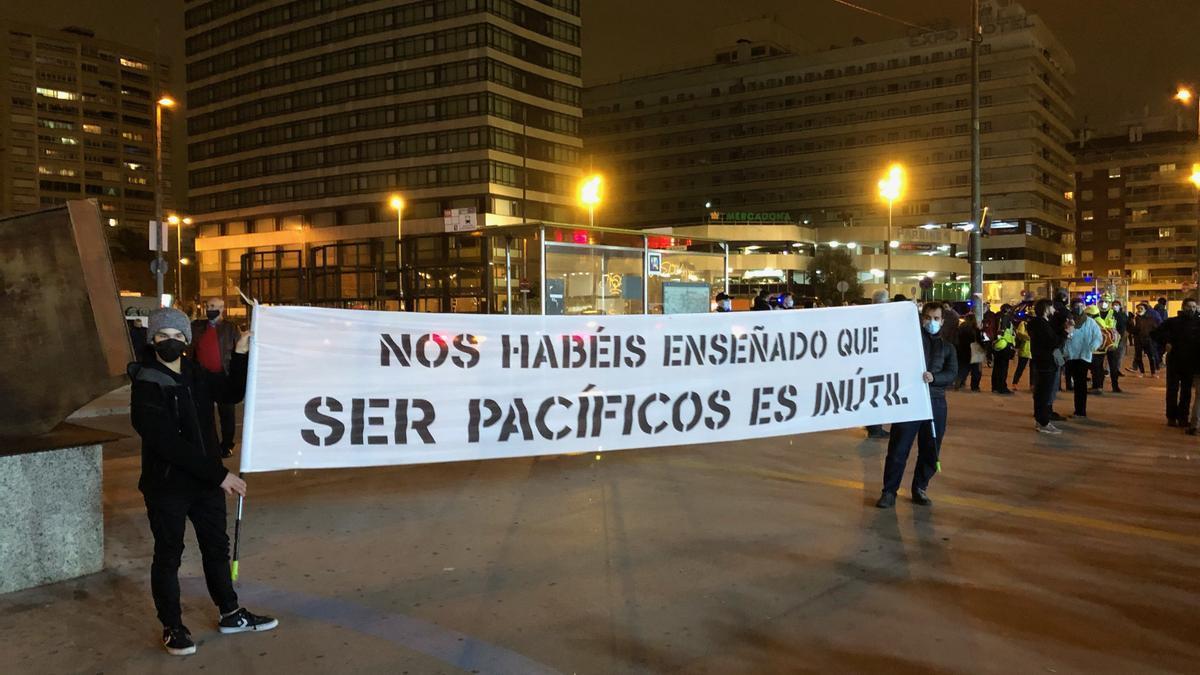 Una de las pancartas en la manifestación de este domingo de apoyo a Pablo Hasel.