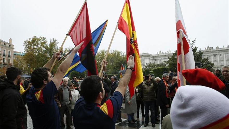 Unas 200 personas recuerdan a Franco en Madrid en el 41 aniversario del 20N