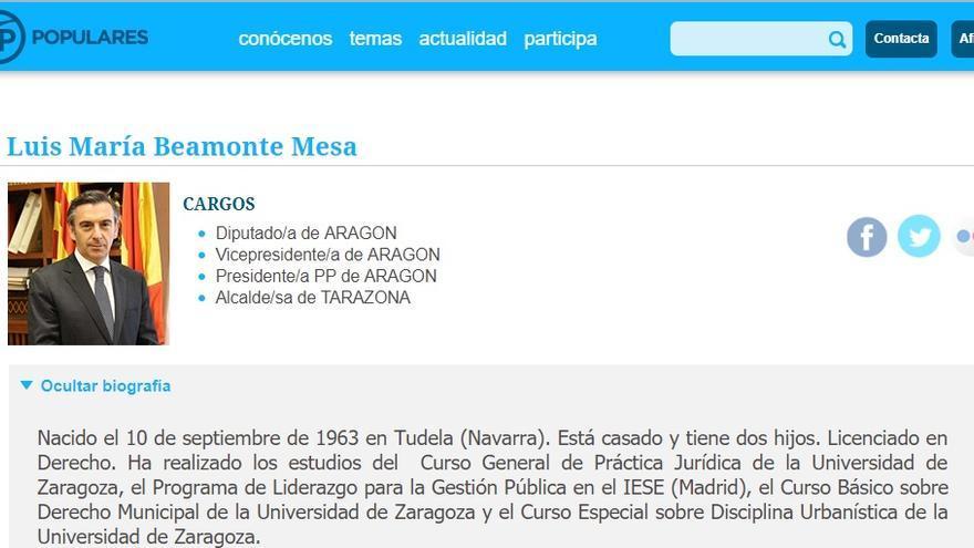 En el currículum colgado en la web del partido se apunta que es licenciado en Derecho