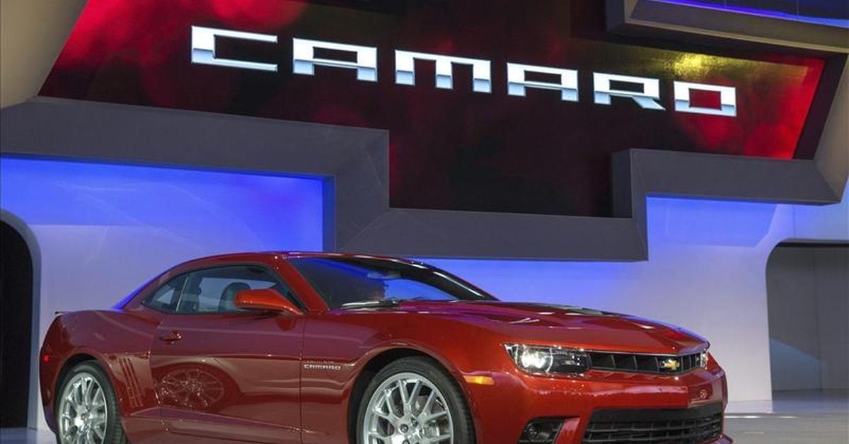 Camaro, Mustang y Challenger pelean la corona de los autos