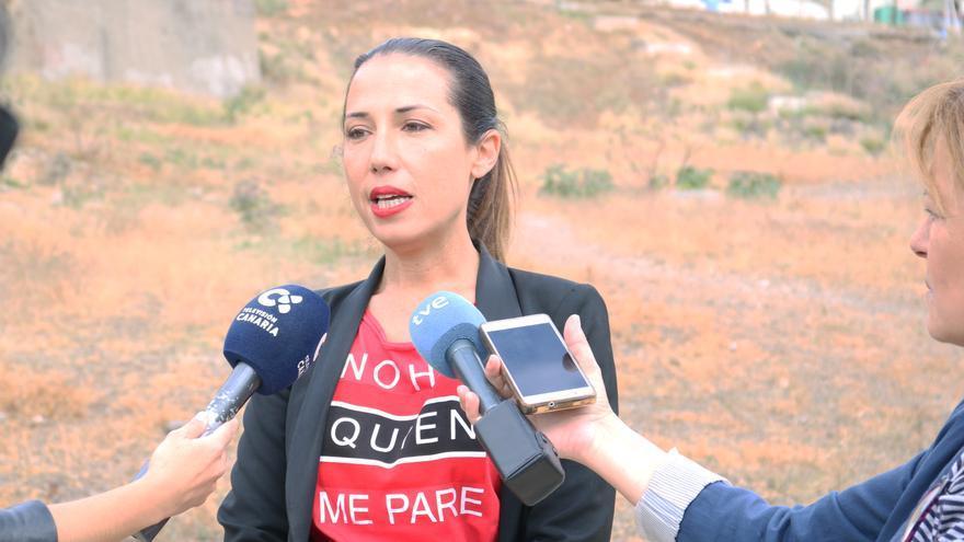 Patricia Hernández, en un solar de La Salud, lugar en el que este martes convocó a los medios
