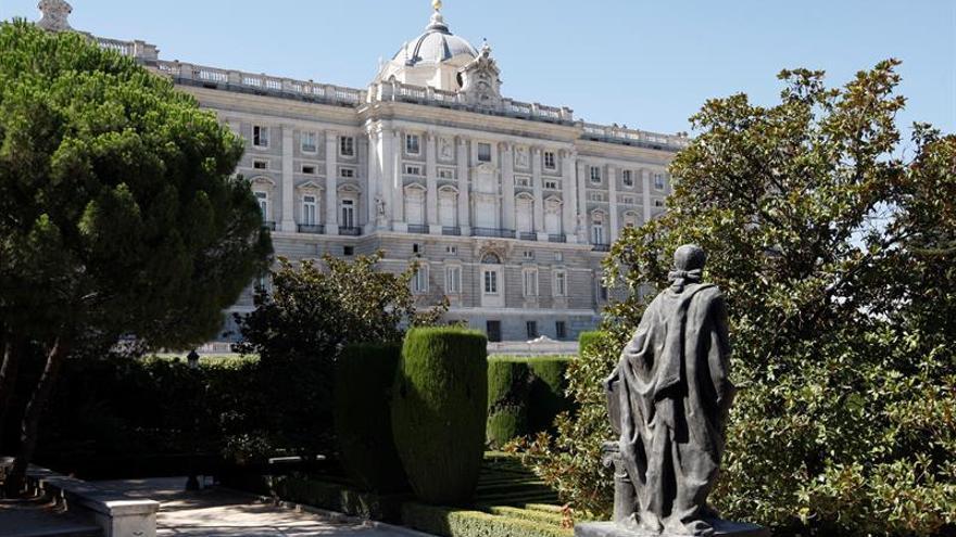 El Rey dará la bienvenida a mandatarios en el Palacio Real en lugar del Pardo