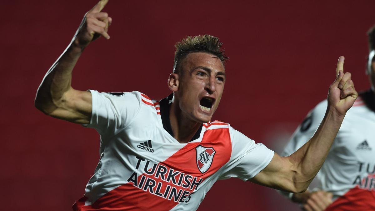 Romero convirtió los dos goles de la victoria de River.