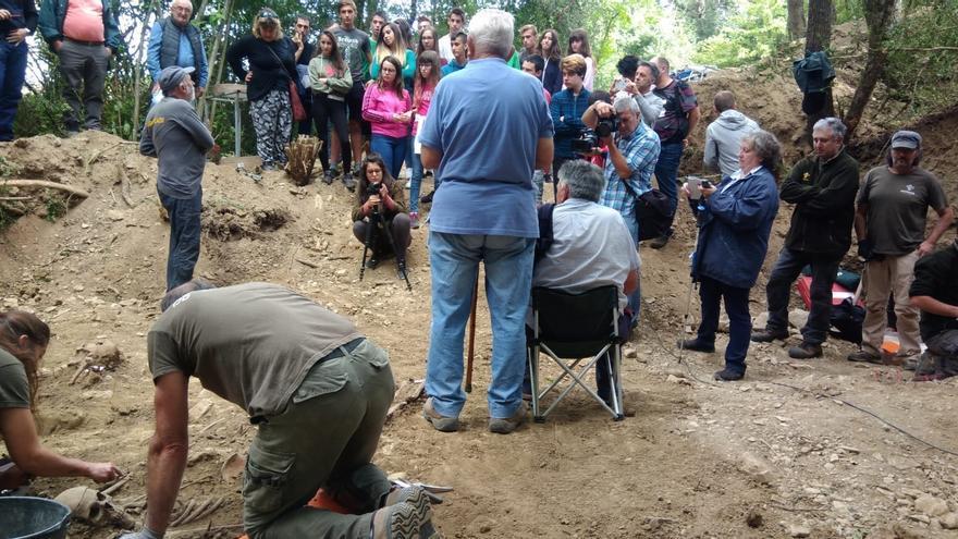 Archivo - Trabajos de exhumaciones en Echálaz