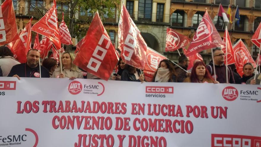 Concentración por el convenio del Comercio en Toledo CCOO