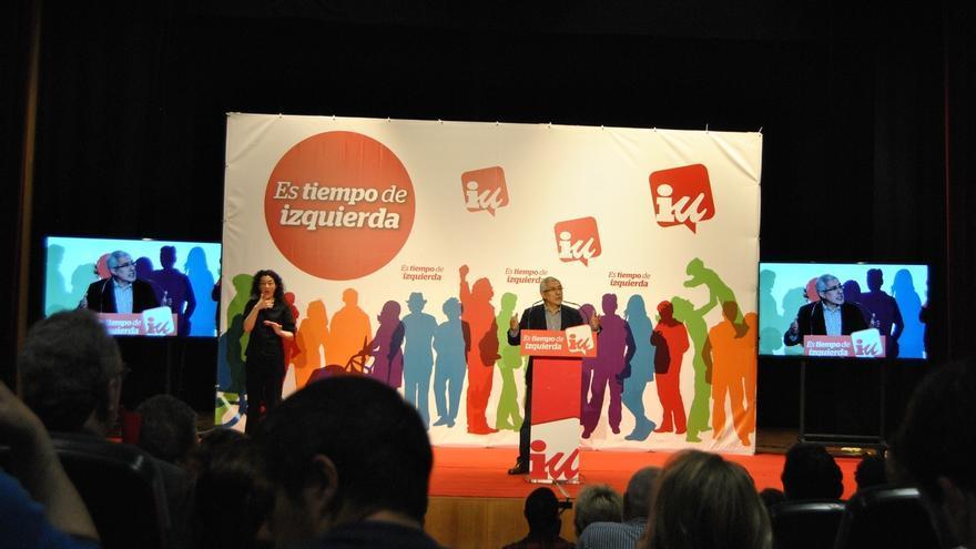 """Llamazares llama """"cínico"""" a Rajoy y sostiene que """"ni un voto en Asturias merece"""""""