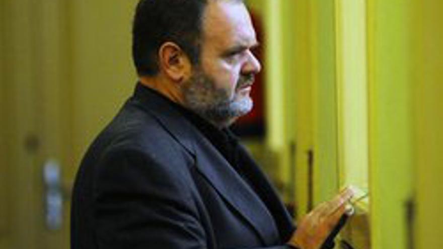 Fernando Bañolas, en el Parlamento.