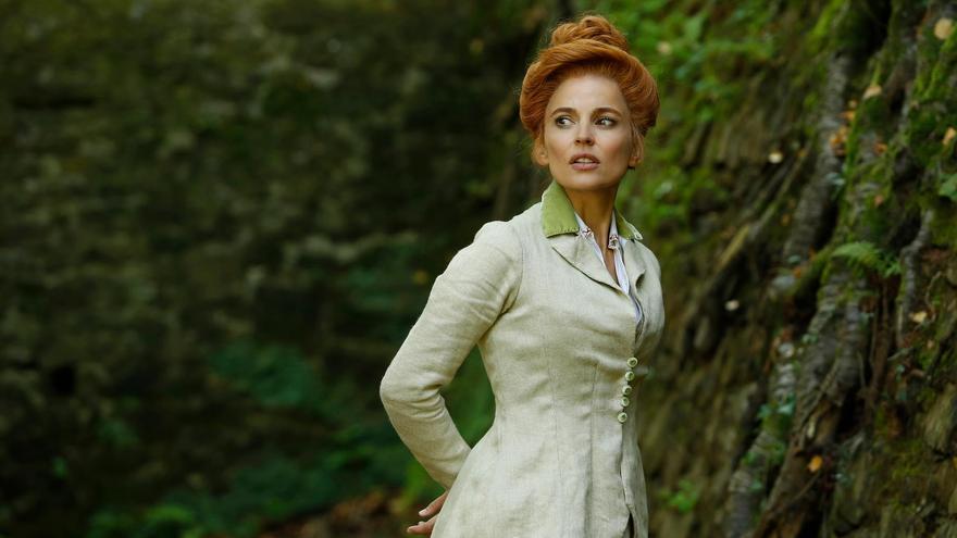 La actriz Elena Anaya, en el papel de la Señorita Pam en 'Zipi y Zape y la isla del capitán'