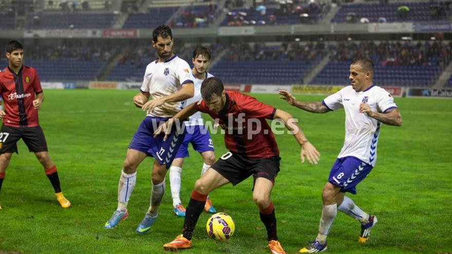 Tenerife y Mallorca no pasan de un empate en una desapacible tarde. (Foto: LFP).