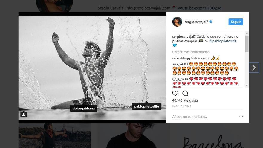 Publicidad de Sergio Carbajal para Dolce & Gabbana en Instagram.