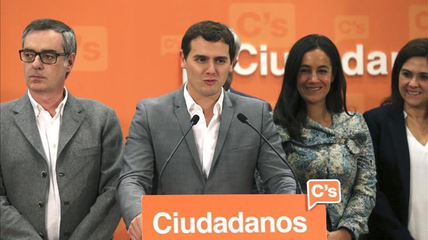 José Manuel Villegas, Albert Rivera y Begoña Villacís.