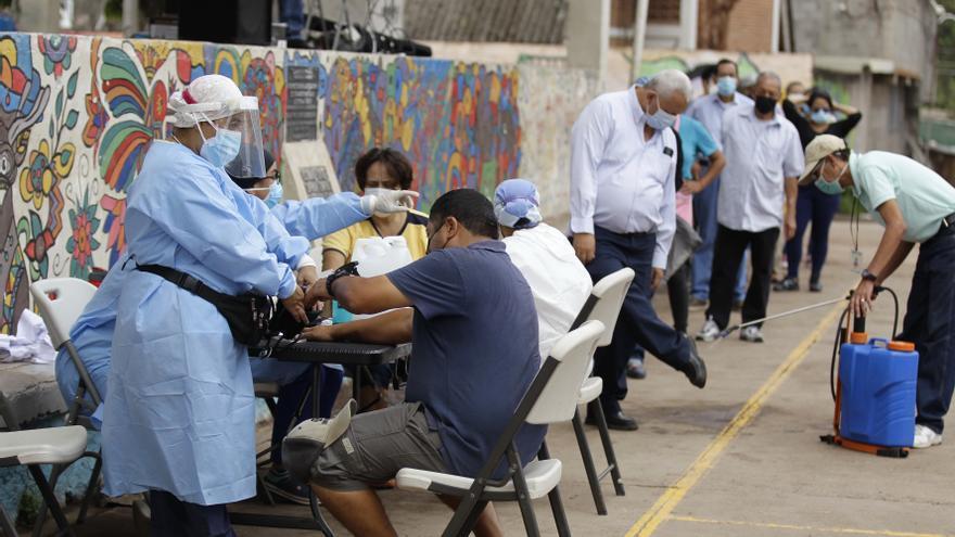 """Guatemala cumple 16 meses de pandemia con un panorama """"realmente complicado"""""""