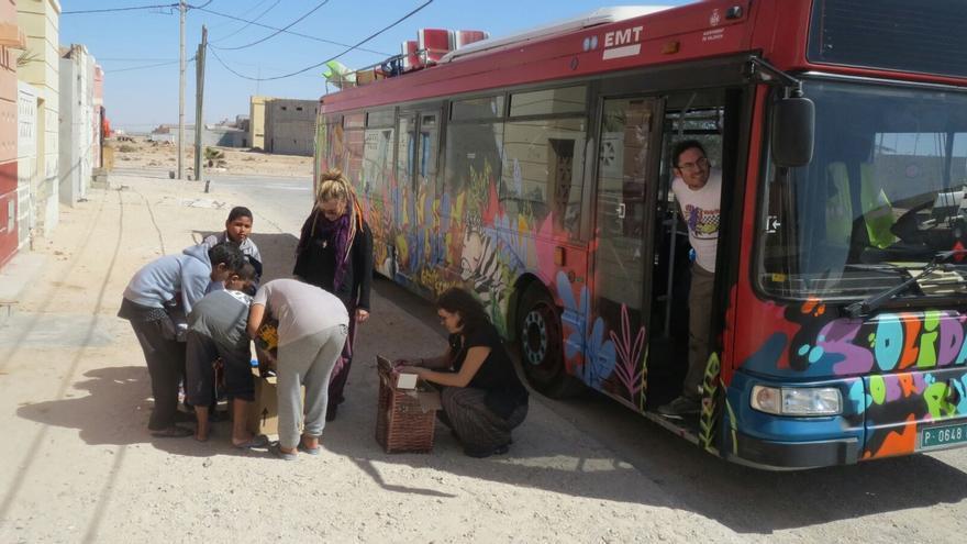 El autobús de la EMT a su llegada a Mali
